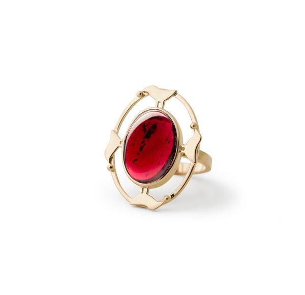Aukso žiedas Keturiese, YURGA