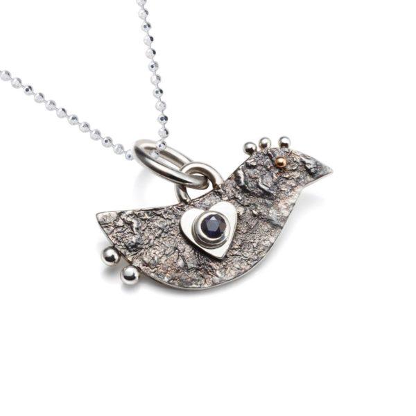 Pakabukas Meilės paukštelis - sidabrinis paukščiukas, puoštas safyru